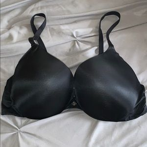 Victoria's Secret very sexy black push up bra